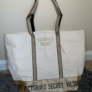 NWT Victoria's Secret Beach Tote